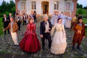 Ensemble des Freilandtheaters beim Singspiel vom Schlösschen